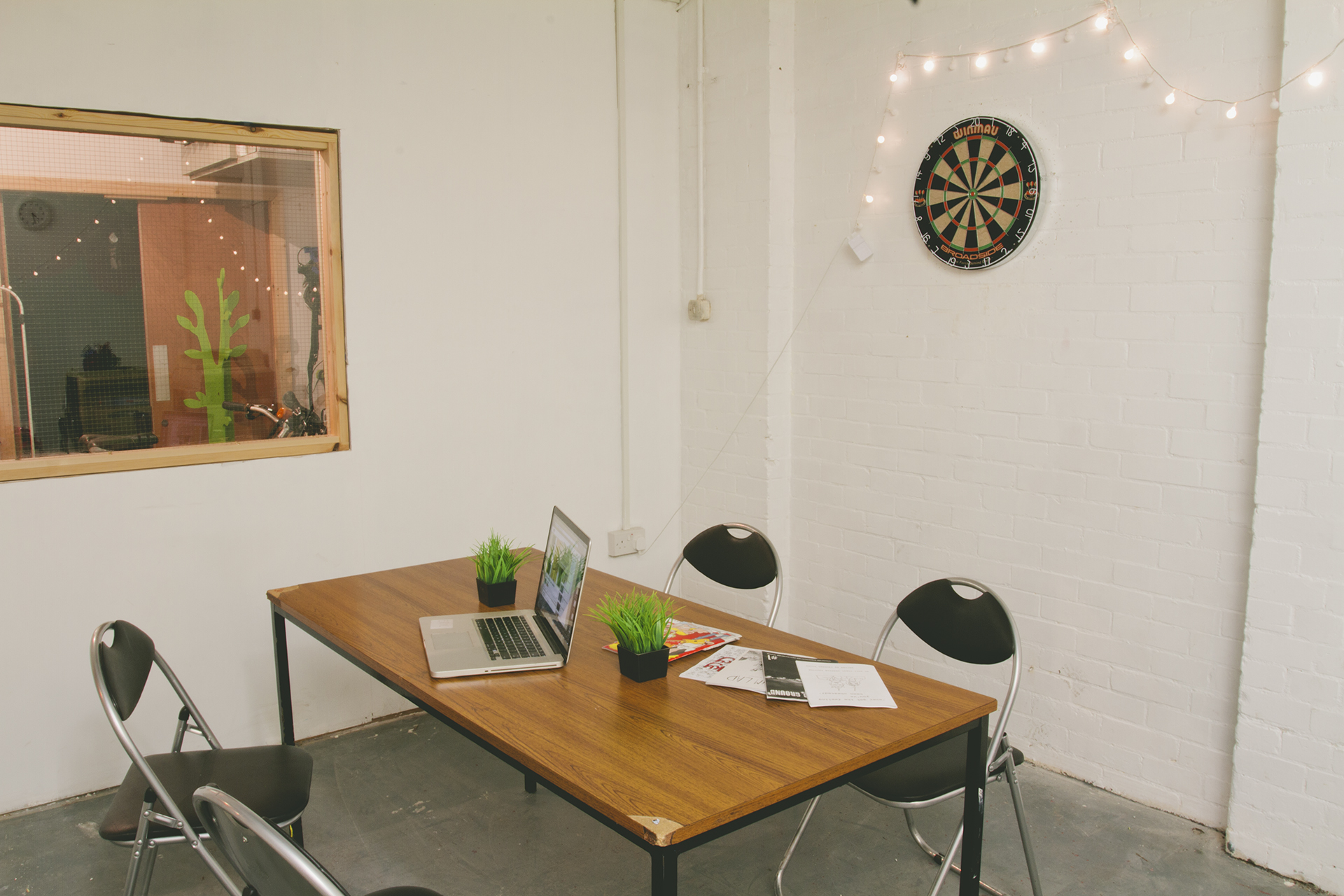 photo of: Meeting room (pre chill-over)